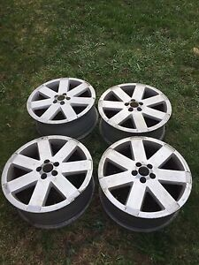 18 Inch Ronal Audi rims *one is damaged!