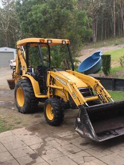 John Deere tractor / backhoe
