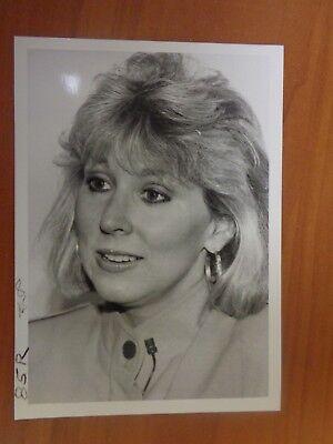 Vintage Glossy Press Photo Wbz Tv Channel 4 Sara Edwards
