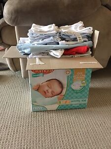 00000 and 0000 baby boys clothes Tenambit Maitland Area Preview