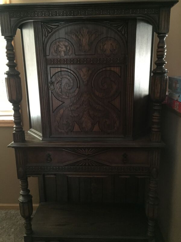Early 20th Century Serving Hutch