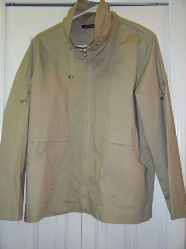 AVA & GRACE JACKET KHAKI SIZE MEDIUM WORN ONCE