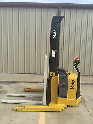 2012 Yale Walkie Stacker - Walk Behind Forklift - Straddle Lift Walkie Forklift