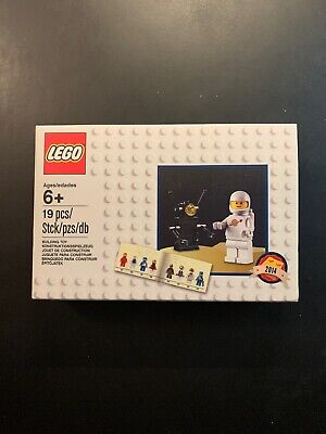 BRAND NEW SEALED Lego Retro White Astronaut 6079531 2014 Limited Edition Promo