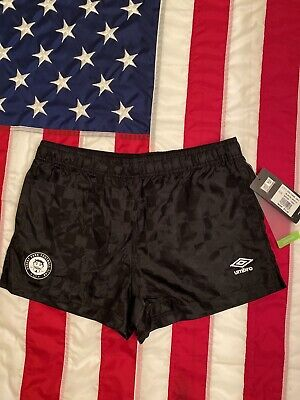 umbro soccer shorts Men Size M New With Tag