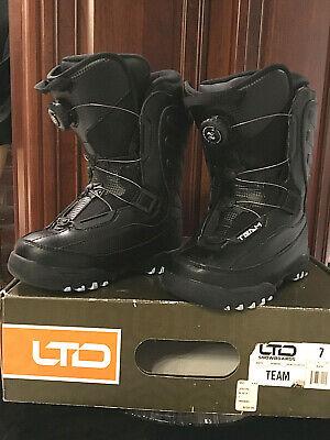 LTD TEAM Black Women's BOA Lacing System-Snowboard Boots Ladies sz 7 - Used