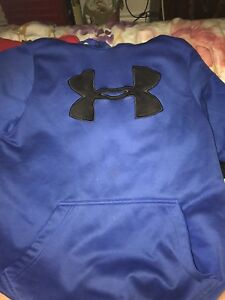 BLUE MEDIUM UNDER ARMOUR SWEATER
