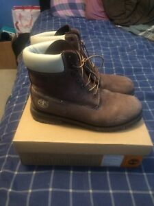 BROWN TIMBERLANDS SIZE 10.5