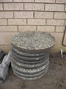 garden stepping stones pebble finish on concrete Maroochydore Maroochydore Area Preview
