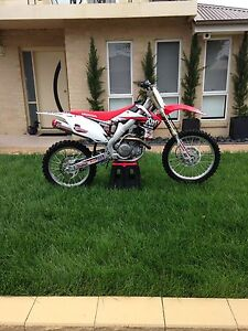 Honda crf 450 r 2011 Gungahlin Gungahlin Area Preview