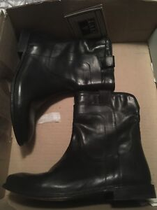 Brand new in box size 6 Frye boots