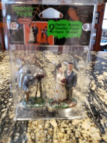 Lemax Spooky Town  Wedding Photo 32107 Figures Frankstein Very Rare and Retired