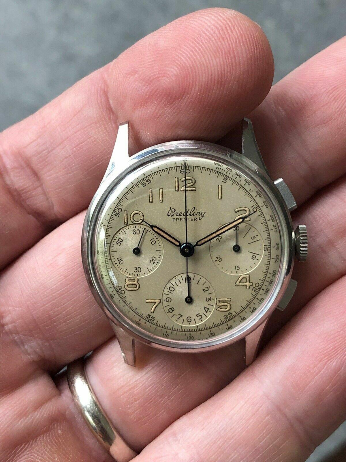 Vintage Breitling Manual Wind Chronograph Red 787, Venus 178 - watch picture 1