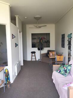 Melbourne - 1 Room for one person