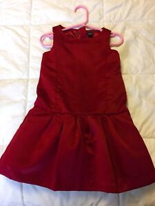 BabyGap dress size 3