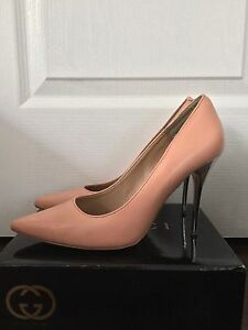 MATERIAL GIRL Peach Pumps with Metal Stiletto sz. 39/9
