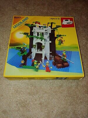 LEGO Vintage Castle Forestmen's River Fortress 6077 W/ Box And Instructions