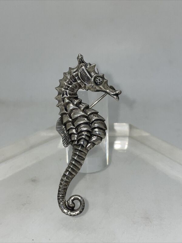 Vintage BEAU Beaucraft 925 Sterling Silver Textured Detail Seahorse Brooch Pin H