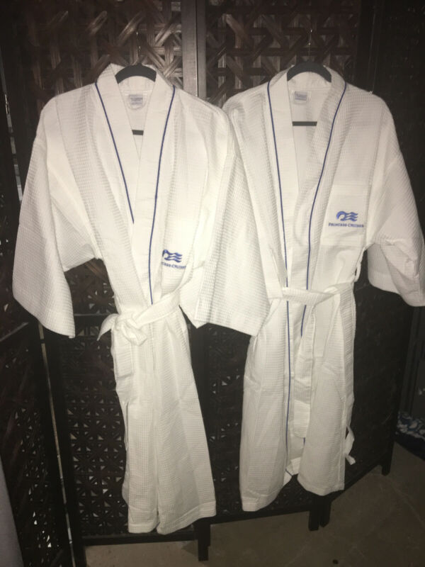 Exclusive Princess Cruise Line White Unisex Robe With Belt; NWOT Never Worn!!