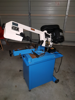 Bandsaw in excellent condition