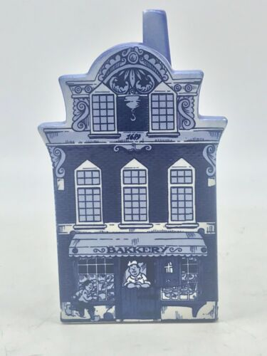 "Delft Blue Hand Painted Ceramic Canal House Bank 5 3/8"" Tall"