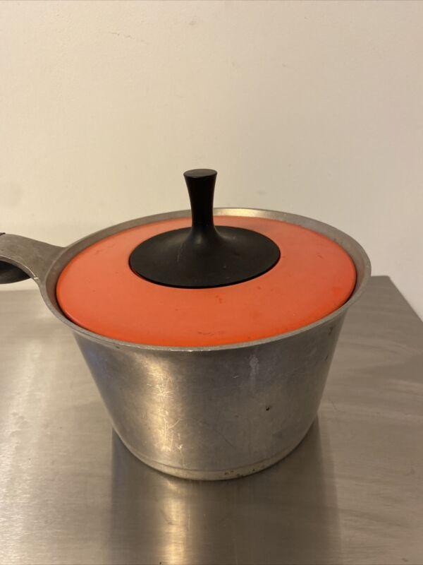 Griswold Pot 2qt Mid Century Cast Aluminum