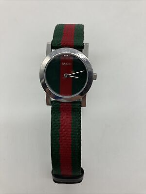 Vintage Gucci Striped Dial Striped Band Ladies Wrist Watch New Battery Working