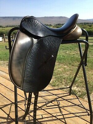 Saddles County Connection Dressage Saddle