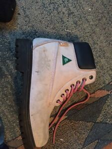 Ladies pink construction boots. Size 8