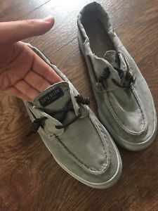 Woman's sperry size 9 shoes