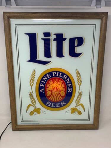 Vintage 1982 MILLER LITE Framed Beer Mirror Lighted Sign Man cave Must!