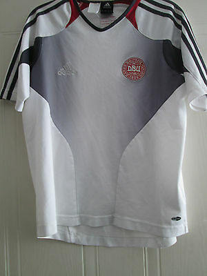 "Denmark 2004 training Football Shirt Size 32-""-34"" /39801"