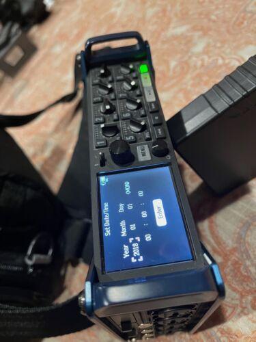 Zoom F8n Field Recorder & Orca Mixer Bag