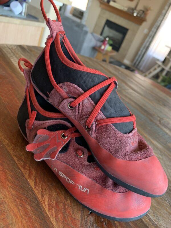 La Sportiva Stick It Climbing Shoe Black/RedYouth size 1 - 1.5 EU 32-33