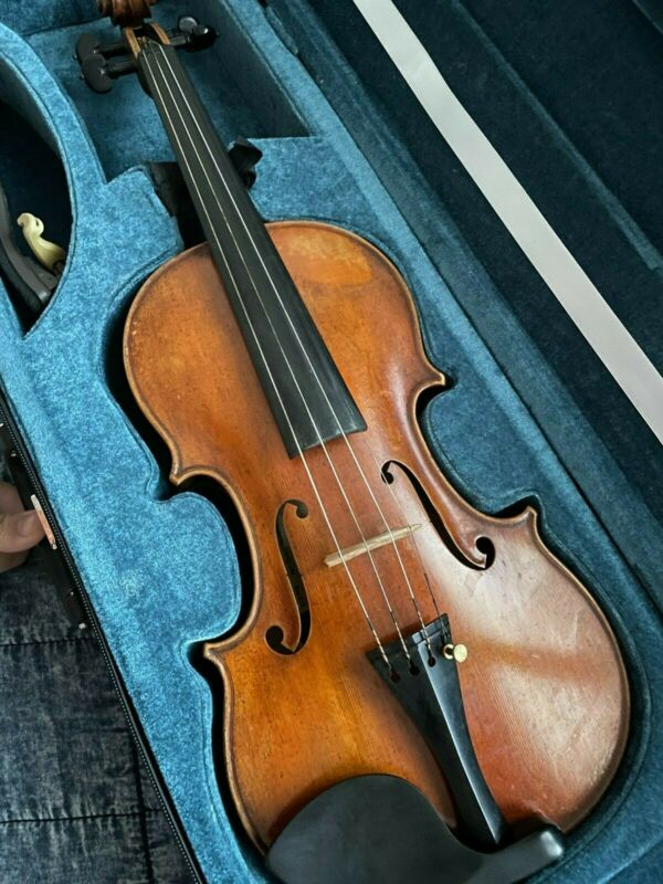 Howard Core Dragon DR40 Violin in Case with Bow - Size 4/4