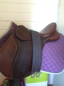 Bates all purpose saddle!! Childers Bundaberg Surrounds Preview