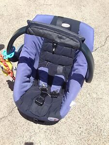 Safe n sound baby car seat Southport Gold Coast City Preview