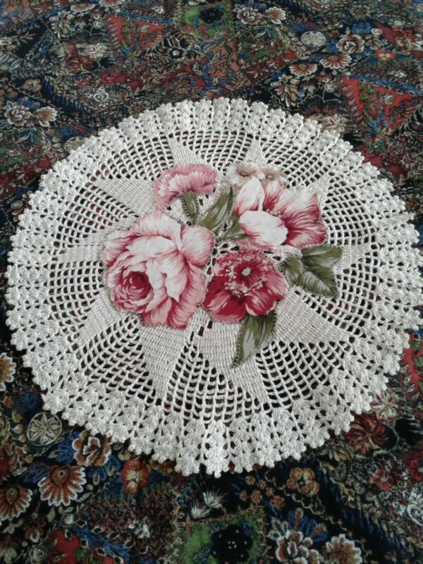Very Pretty Vintage Shabby Chic Doily With Machine Appliqued Accent