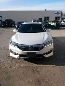 2017 HONDA ACCORD EX-L FULLY LOADED—LEASE TAKEOVER—-ONLY 2200KM