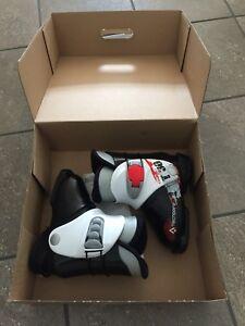 Ski boots 17.5