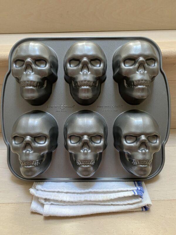 Nordic Ware Mini Skull Cake Pan