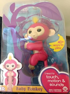 New In Package Fingerlings Interactive Baby Monkey Bella Pink Yellow Hair