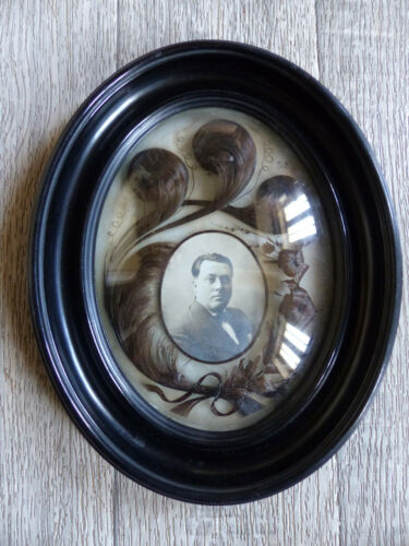 LARGE ANTIQUE FRENCH RELIQUARY SENTIMENTAL MOURNING HAIR ART 1890