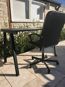 Work desk and office chair Canada Bay Canada Bay Area Preview