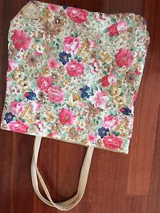 Floral tote Wetherill Park Fairfield Area Preview