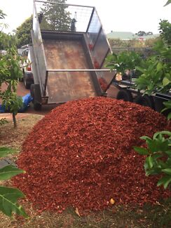 Red, Black and standard woodchips, mulch. Free delivery on 5 cube.
