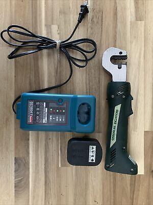 Greenlee Gator Ek210 9.6v Cordless Battery Crimper 1.5 Tons With Charger