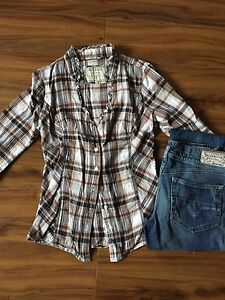 Guess shirt and diesel jeans. Xs/26