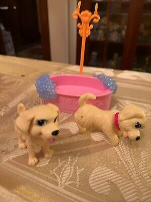 CLEAN UP PUP BARBIE Bath And Two Dogs Dog Stroller P75