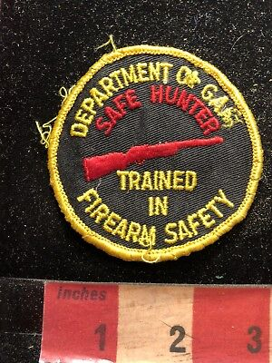 Vtg AS-IS BAD STITCH - Dept. Of ? SAFE HUNTER FIREARM SAFETY Patch Gun 83E1